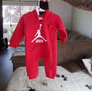 Jordan winter onsie-hoodie